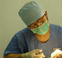でべそ手術(臍突出症)